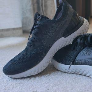 Nike women's Epic React Flyknit - Size 8.5